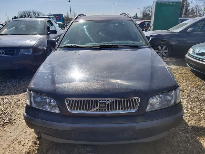 Naudotos automobiliu dallys Foto 3 Volvo V40 2000 1.9 Mechaninė Universalas 4/5 d. Melyna 2020-4-08 A5204