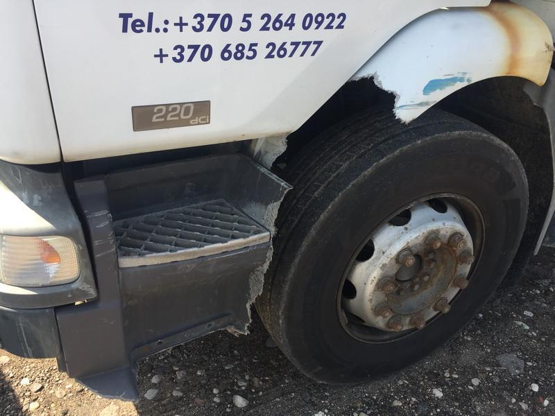 Naudotos automobiliu dallys Foto 5 Truck - Renault MIDLUM 2002 6.2 Mechaninė Kita 2/3 d. Balta 2018-9-06 A4071