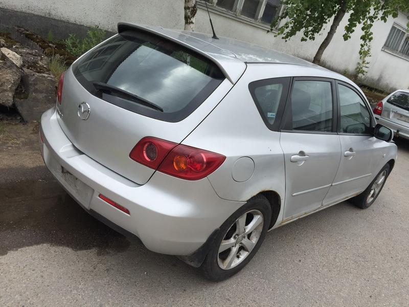 Naudotos automobiliu dallys Foto 8 Mazda 3 2004 1.6 Mechaninė Hečbekas 4/5 d. Sidabrine 2018-6-12 A3859
