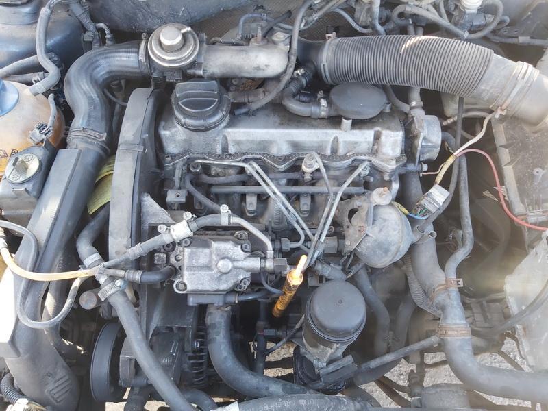 Naudotos automobiliu dallys Foto 2 Volkswagen GOLF 2000 1.9 Mechaninė Hečbekas 2/3 d. Pilka 2020-3-31 A5182