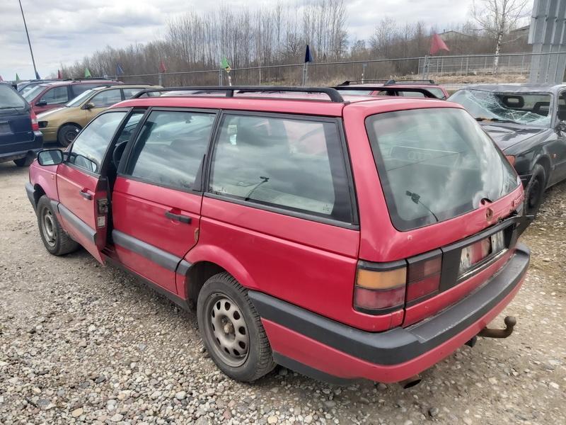 Naudotos automobiliu dallys Foto 7 Volkswagen PASSAT 1992 1.9 Mechaninė Universalas 4/5 d. Raudona 2020-4-10 A5207