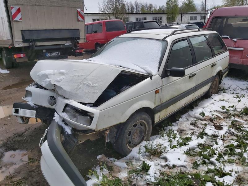 Naudotos automobiliu dallys Foto 4 Volkswagen PASSAT 1994 1.9 Mechaninė Universalas 4/5 d. Balta 2020-5-12 A5277