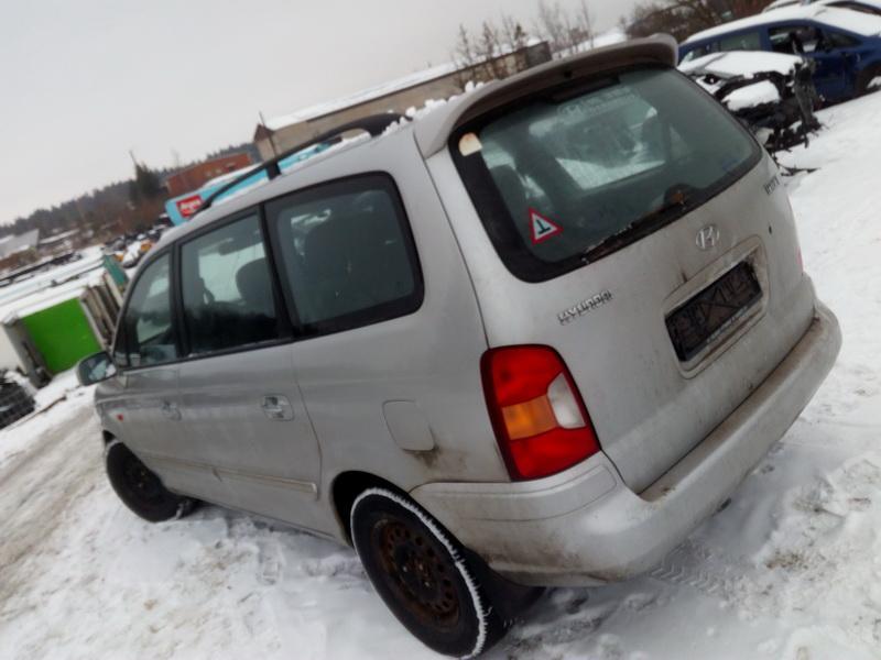 Подержанные Автозапчасти Hyundai TRAJET 2002 2.0 машиностроение минивэн 4/5 d. серебро 2018-2-13