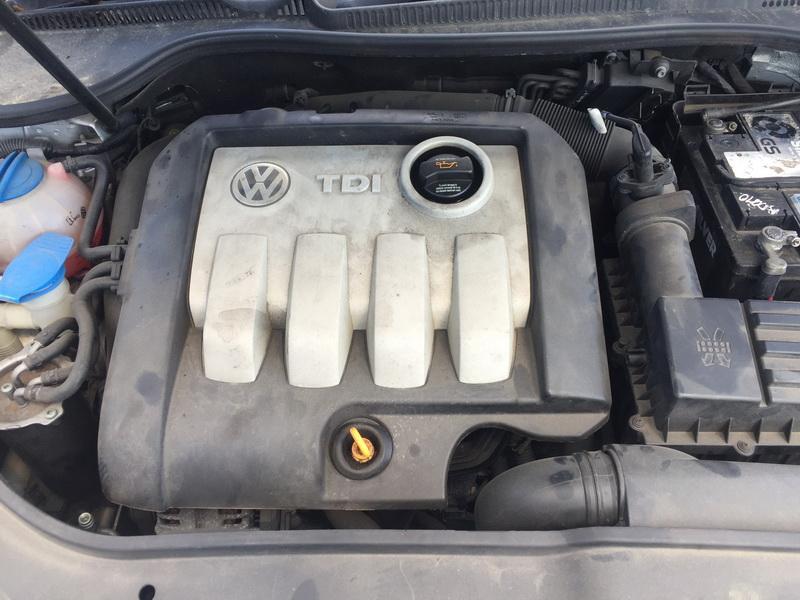 Naudotos automobiliu dallys Foto 3 Volkswagen GOLF 2005 1.9 Automatinė Hečbekas 4/5 d. Sidabrine 2018-5-28 A3803
