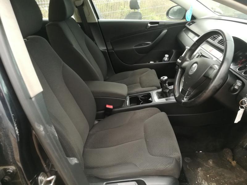 Naudotos automobiliu dallys Foto 5 Volkswagen PASSAT 2007 2.0 Mechaninė Sedanas 4/5 d. Juoda 2019-10-28 A4866