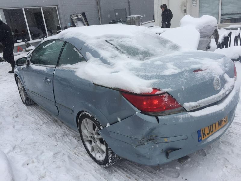 Naudotos automobiliu dallys Foto 10 Opel ASTRA 2007 1.8 Mechaninė Kabrioletas 2/3 d. Melyna 2019-1-28 A4277