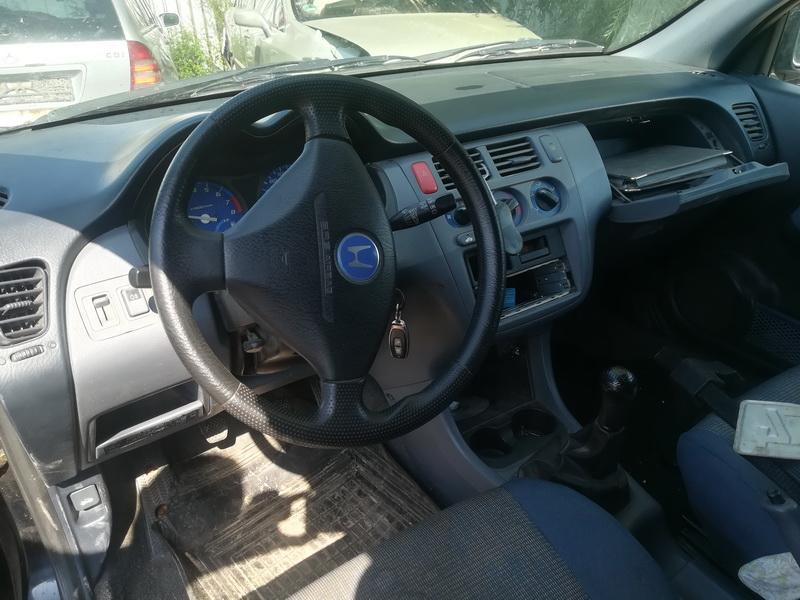 Naudotos automobiliu dallys Foto 6 Honda HR-V 1999 1.6 Mechaninė Visureigis 2/3 d. Juoda 2019-7-24 A4646