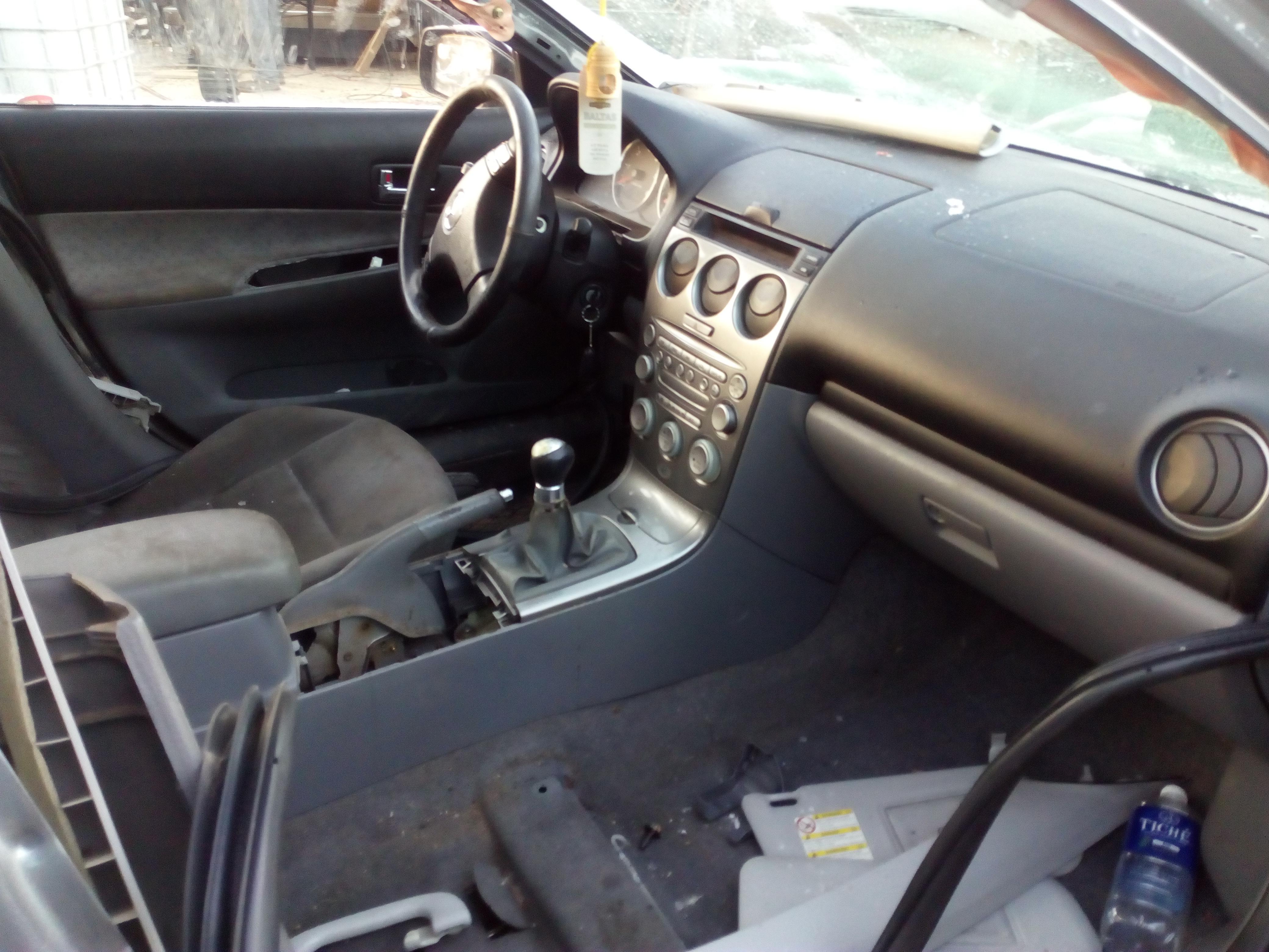 Naudotos automobiliu dallys Foto 3 Mazda 6 2003 2.0 Mechaninė Sedanas 4/5 d. Pilka 2018-1-08 A3583
