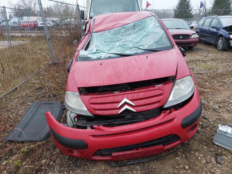 Naudotos automobilio dalys Citroen C3 2002 1.1 Mechaninė Hečbekas 4/5 d. Raudona 2020-1-21