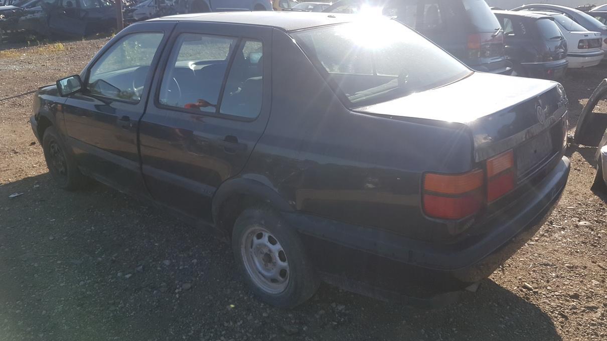 Naudotos automobilio dalys Volkswagen VENTO 1993 1.9 Mechaninė Sedanas 4/5 d. Violetine 2017-8-08