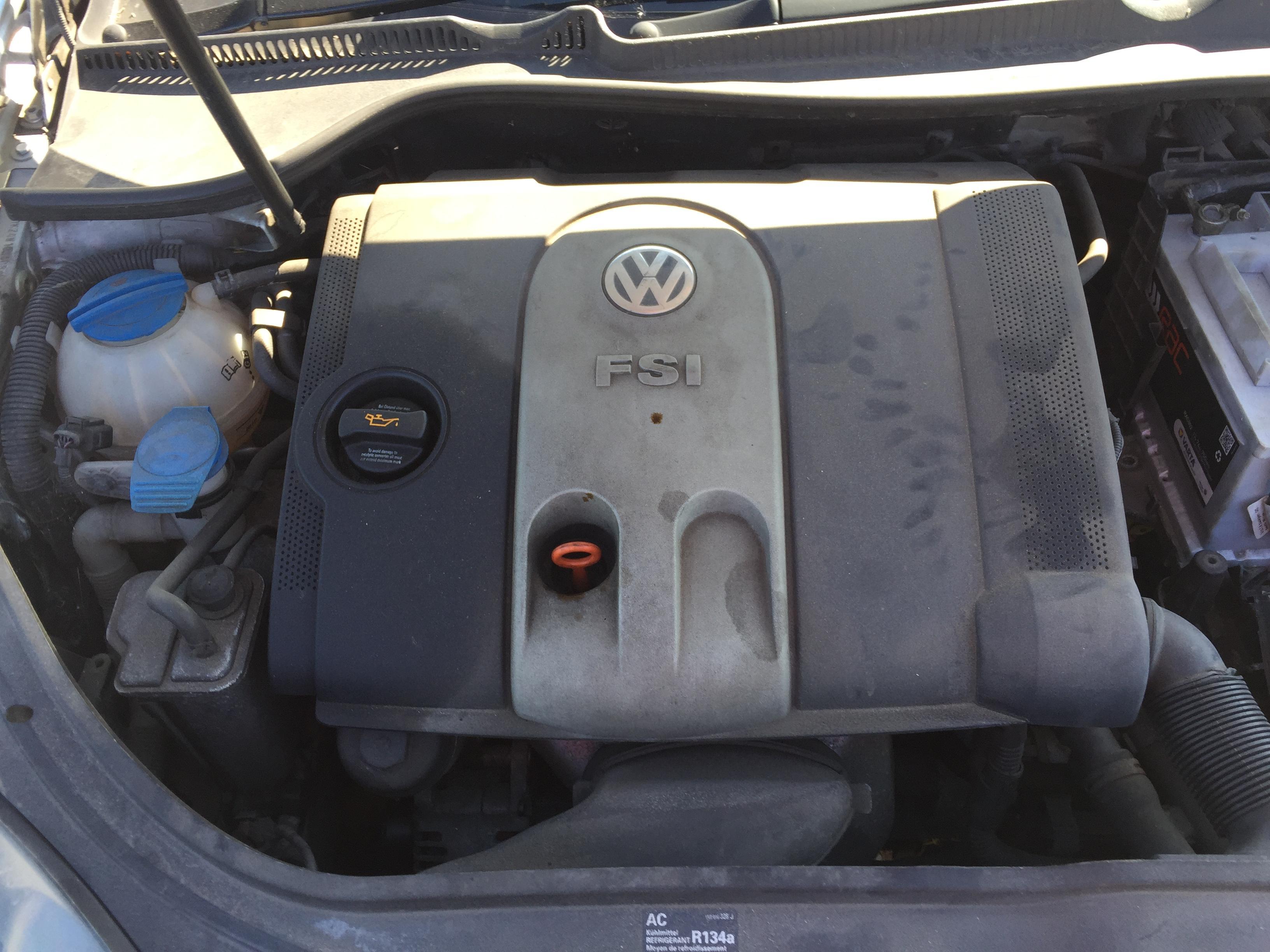 Used Car Parts Foto 3 Volkswagen GOLF 2004 1.6 Mechanical Hatchback 4/5 d. Silver 2017-8-30 A3429