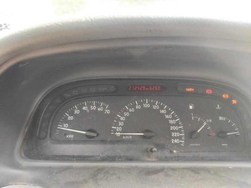 Naudotos automobiliu dallys Foto 9 Renault LAGUNA 2000 1.9 Mechaninė Universalas 4/5 d. Melyna 2020-6-23 A5381