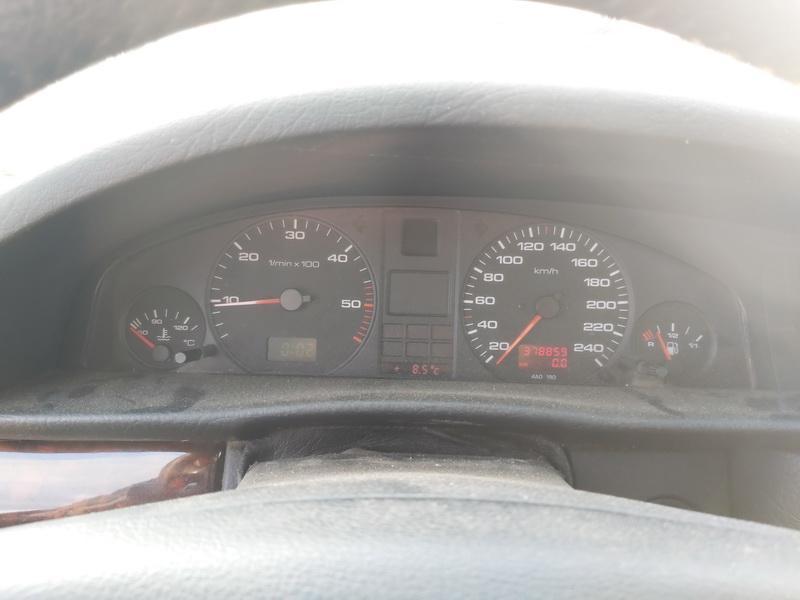 Подержанные Автозапчасти Foto 7 Audi A6 1994 1.9 машиностроение седан 4/5 d. красный 2020-11-19 A5835