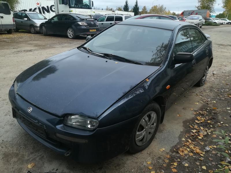 Naudotos automobiliu dallys Foto 4 Mazda 323F 1997 1.8 Automatinė Hečbekas 4/5 d. Melyna 2019-10-03 A4806