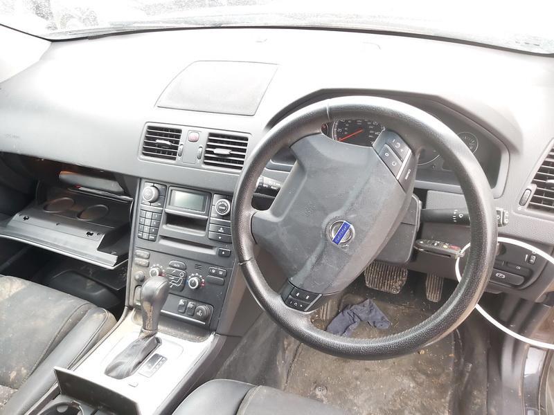 Naudotos automobilio dalys Volvo XC 90 2009 2.4 Automatinė Visureigis 4/5 d. Juoda 2020-2-25