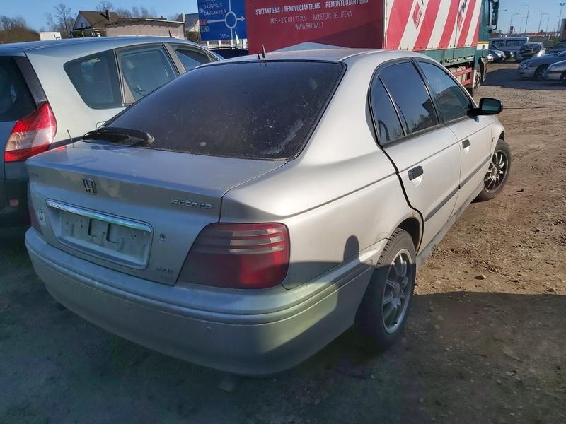 Подержанные Автозапчасти Foto 9 Honda ACCORD 2000 2.0 машиностроение хэтчбэк 4/5 d. Серый 2020-3-21 A5150