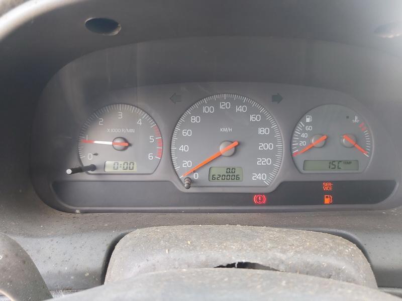Naudotos automobiliu dallys Foto 10 Volvo V40 2000 1.9 Mechaninė Universalas 4/5 d. Melyna 2020-4-08 A5204