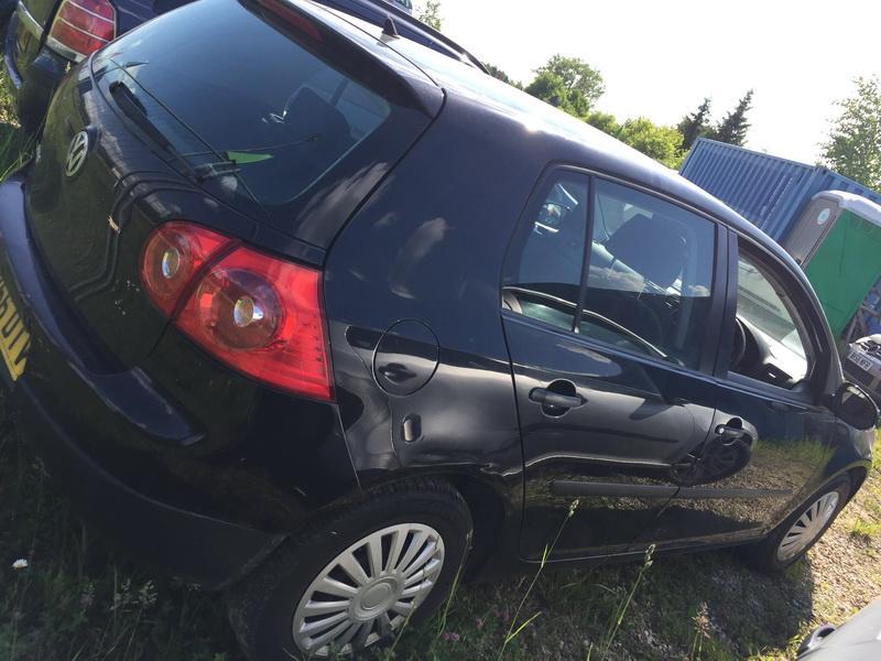 Naudotos automobilio dalys Volkswagen GOLF 2006 1.4 Mechaninė Hečbekas 4/5 d. Juoda 2018-5-24