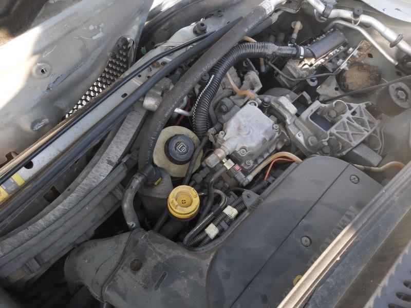 Naudotos automobiliu dallys Foto 2 Renault SCENIC 2000 1.9 Mechaninė Vienatūris 4/5 d. Pilka 2020-9-16 A5670