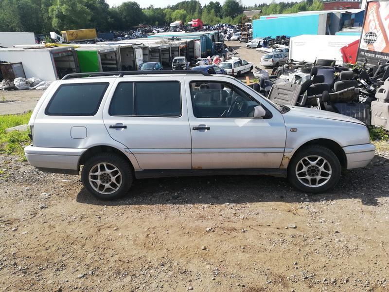 Naudotos automobiliu dallys Foto 4 Volkswagen GOLF 1996 1.9 Mechaninė Universalas 4/5 d. Pilka 2019-8-05 A4690