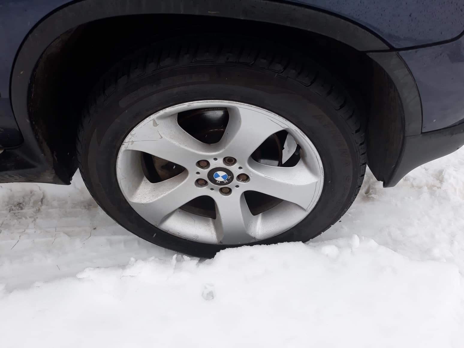 Naudotos automobiliu dallys Foto 5 BMW X5 2004 3.0 Mechaninė Visureigis 4/5 d. Melyna 2019-2-01 A4288
