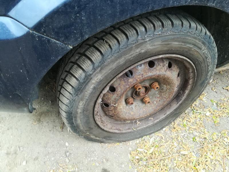 Naudotos automobiliu dallys Foto 5 Ford FUSION 2002 1.6 Mechaninė Hečbekas 4/5 d. Melyna 2019-5-27 A4516