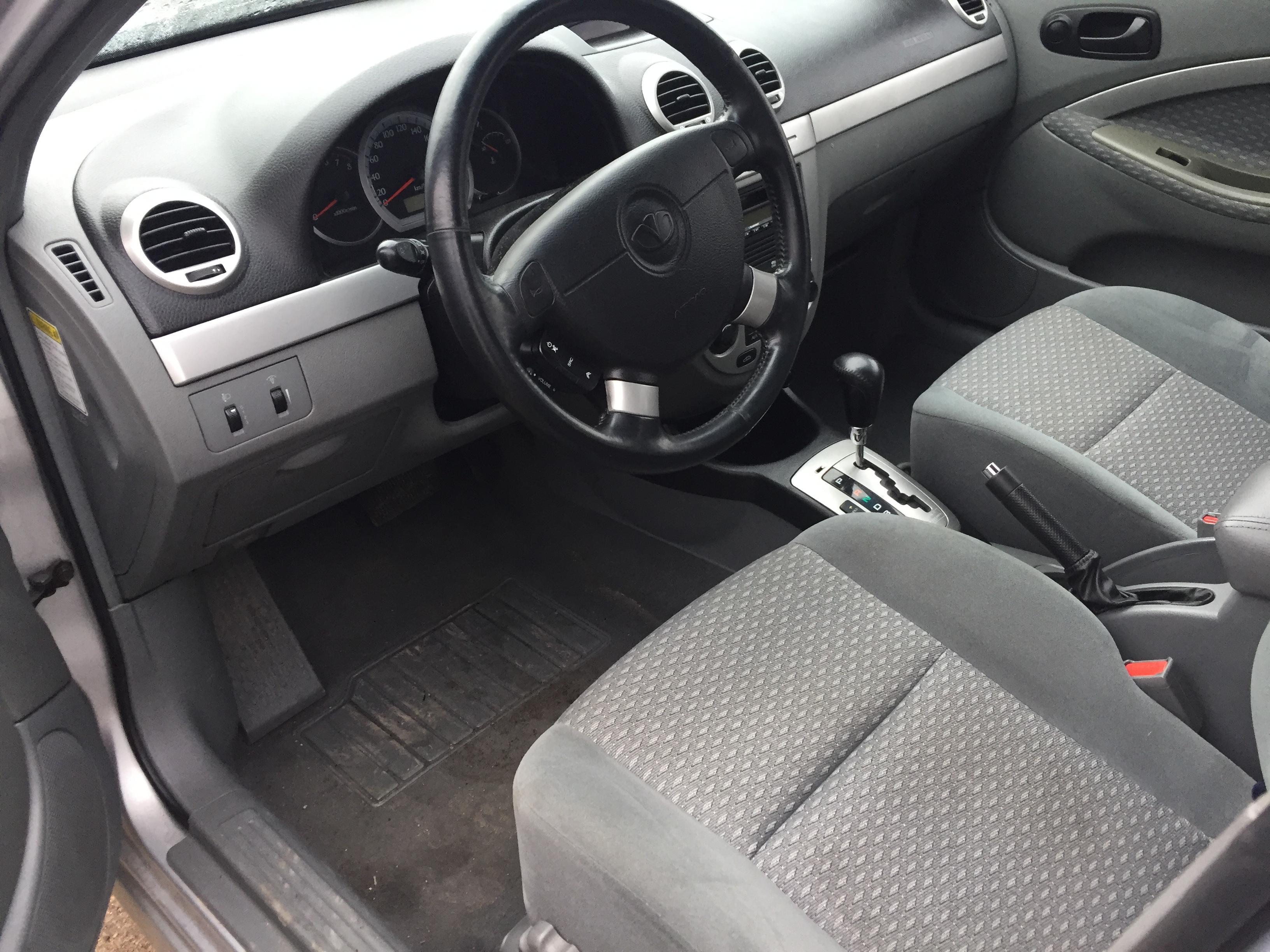 Naudotos automobiliu dallys Foto 6 Chevrolet LACETTI 2004 1.8 Automatinė Hečbekas 4/5 d. Sidabrine 2017-11-07 A3506