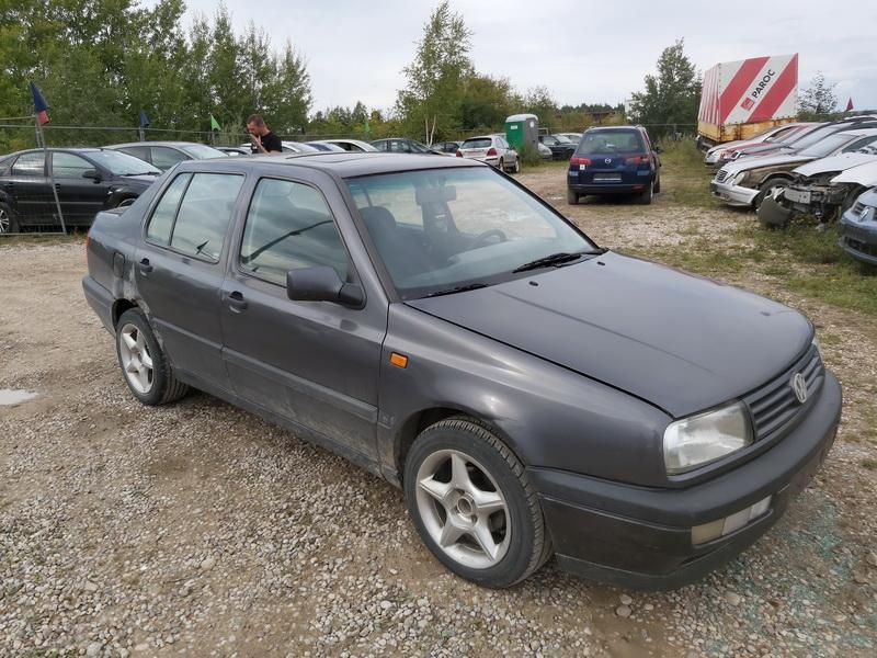 Naudotos automobilio dalys Volkswagen VENTO 1993 1.9 Mechaninė Sedanas 4/5 d. Pilka 2020-9-10