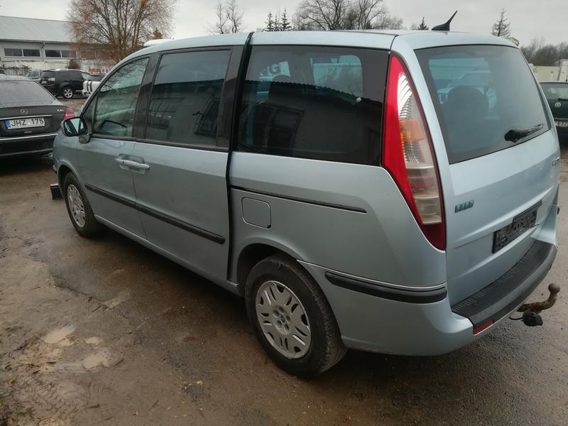 Naudotos automobiliu dallys Foto 7 Fiat ULYSSE 2002 2.2 Mechaninė Vienatūris 4/5 d. Melyna 2019-11-04 A4873