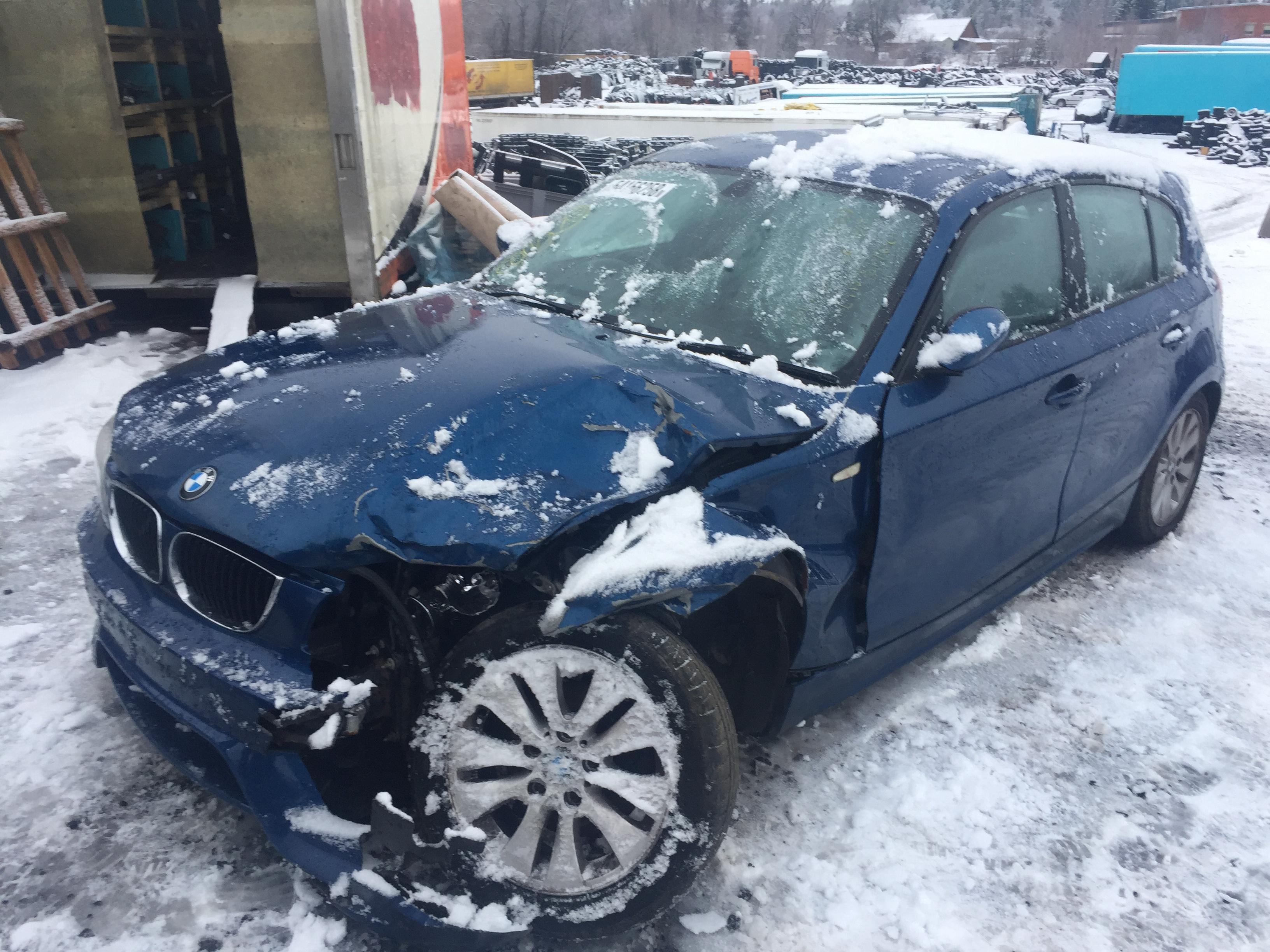 Naudotos automobiliu dallys Foto 9 BMW 1-SERIES 2005 1.8 Mechaninė Hečbekas 4/5 d. Melyna 2018-12-31 A4247