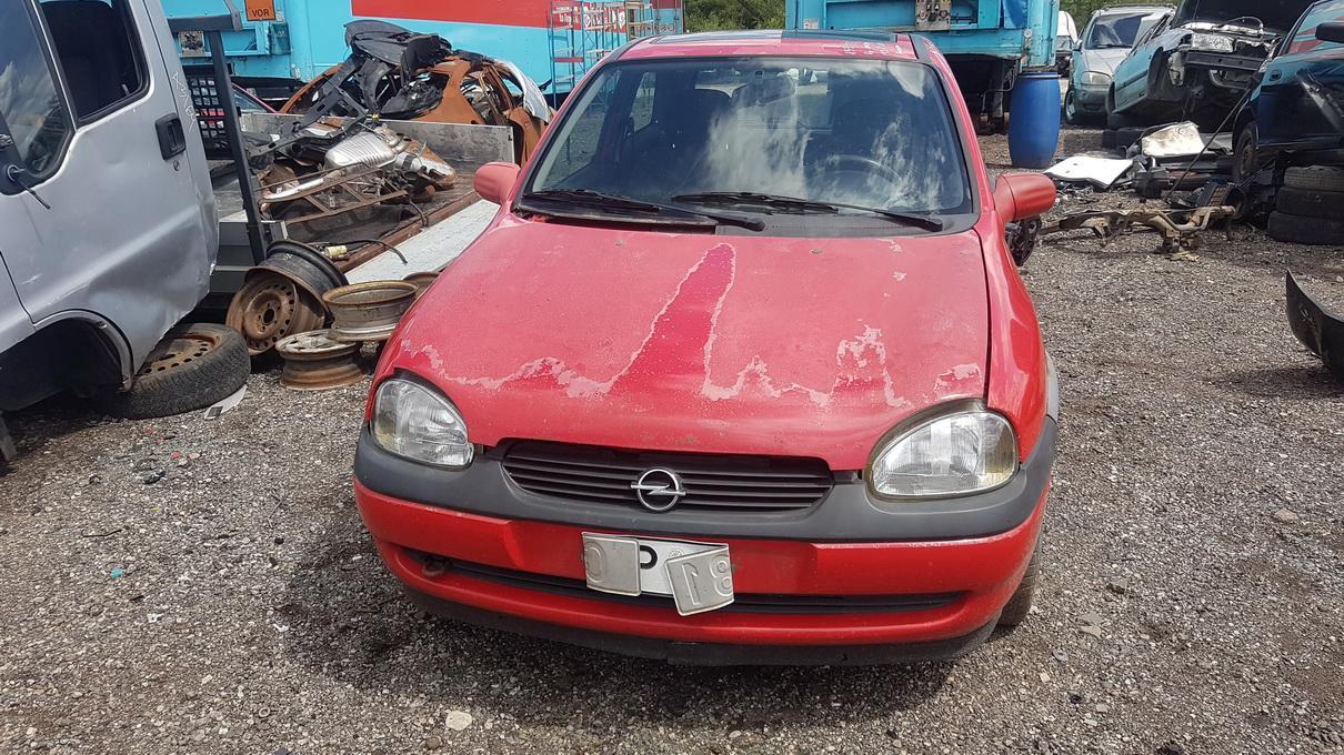 Подержанные Автозапчасти Foto 2 Opel CORSA 1998 1.0 машиностроение хэтчбэк 2/3 d. красный 2017-7-07 A3347