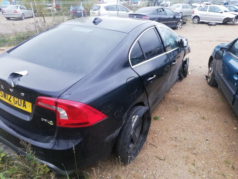 Naudotos automobiliu dallys Foto 7 Volvo S60 2012 1.6 Mechaninė Sedanas 4/5 d. Juoda 2019-10-11 A4824