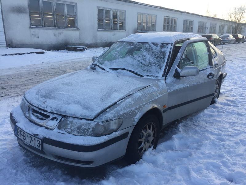 Naudotos automobiliu dallys Foto 4 SAAB 9-3 1998 2.2 Mechaninė Hečbekas 4/5 d. Sidabrine 2019-1-08 A4252