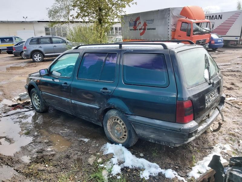 Naudotos automobiliu dallys Foto 5 Volkswagen GOLF 1994 1.9 Mechaninė Universalas 4/5 d. Juoda 2020-5-11 A5274