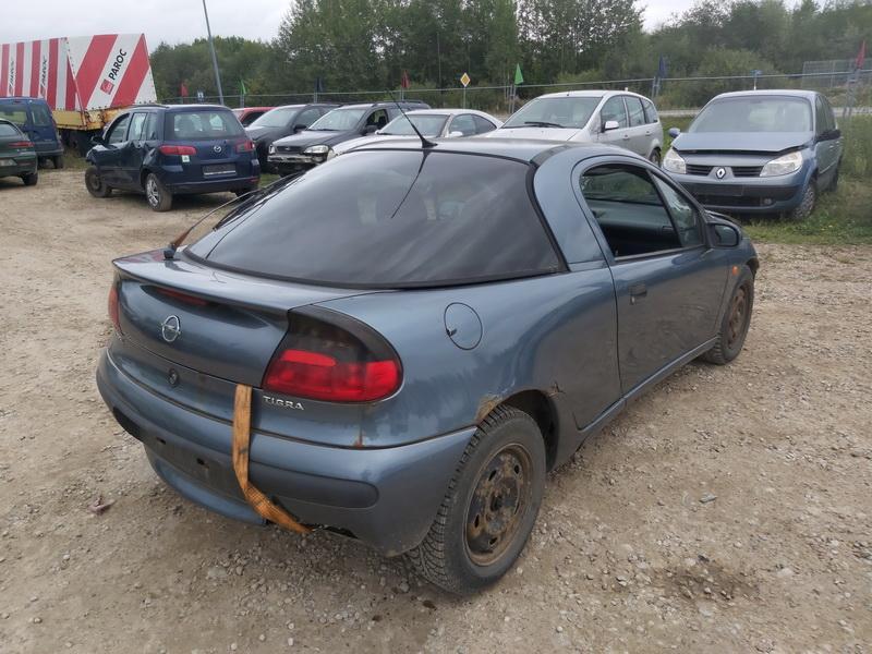 Naudotos automobiliu dallys Foto 10 Opel TIGRA 1999 1.6 Mechaninė Hečbekas 2/3 d. Melyna 2020-9-12 A5658