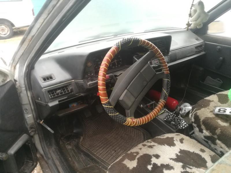 Naudotos automobilio dalys Volkswagen PASSAT 1988 1.6 Mechaninė Universalas 4/5 d. Balta 2019-11-26