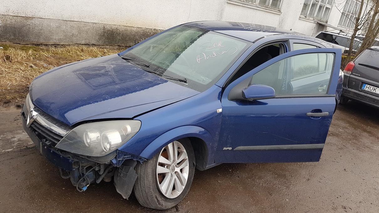 Naudotos automobiliu dallys Foto 2 Opel ASTRA 2004 1.8 Automatinė Hečbekas 4/5 d. Melyna 2017-2-28 A3210