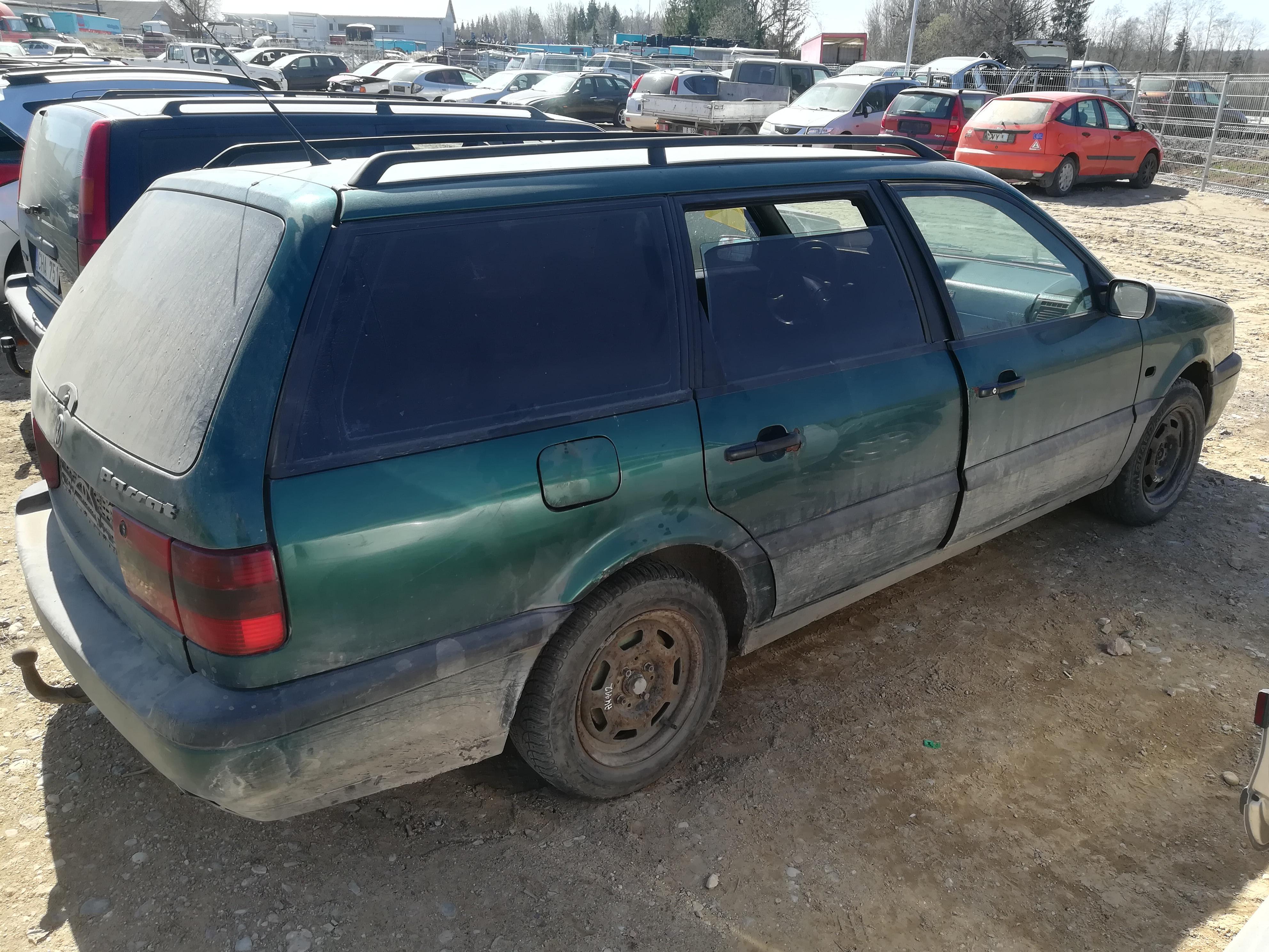 Naudotos automobiliu dallys Foto 9 Volkswagen PASSAT 1995 1.9 Mechaninė Universalas 4/5 d. Zalia 2019-4-13 A4419