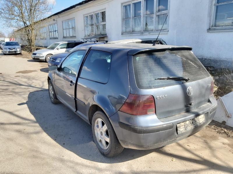Naudotos automobiliu dallys Foto 7 Volkswagen GOLF 2000 1.9 Mechaninė Hečbekas 2/3 d. Pilka 2020-3-31 A5182