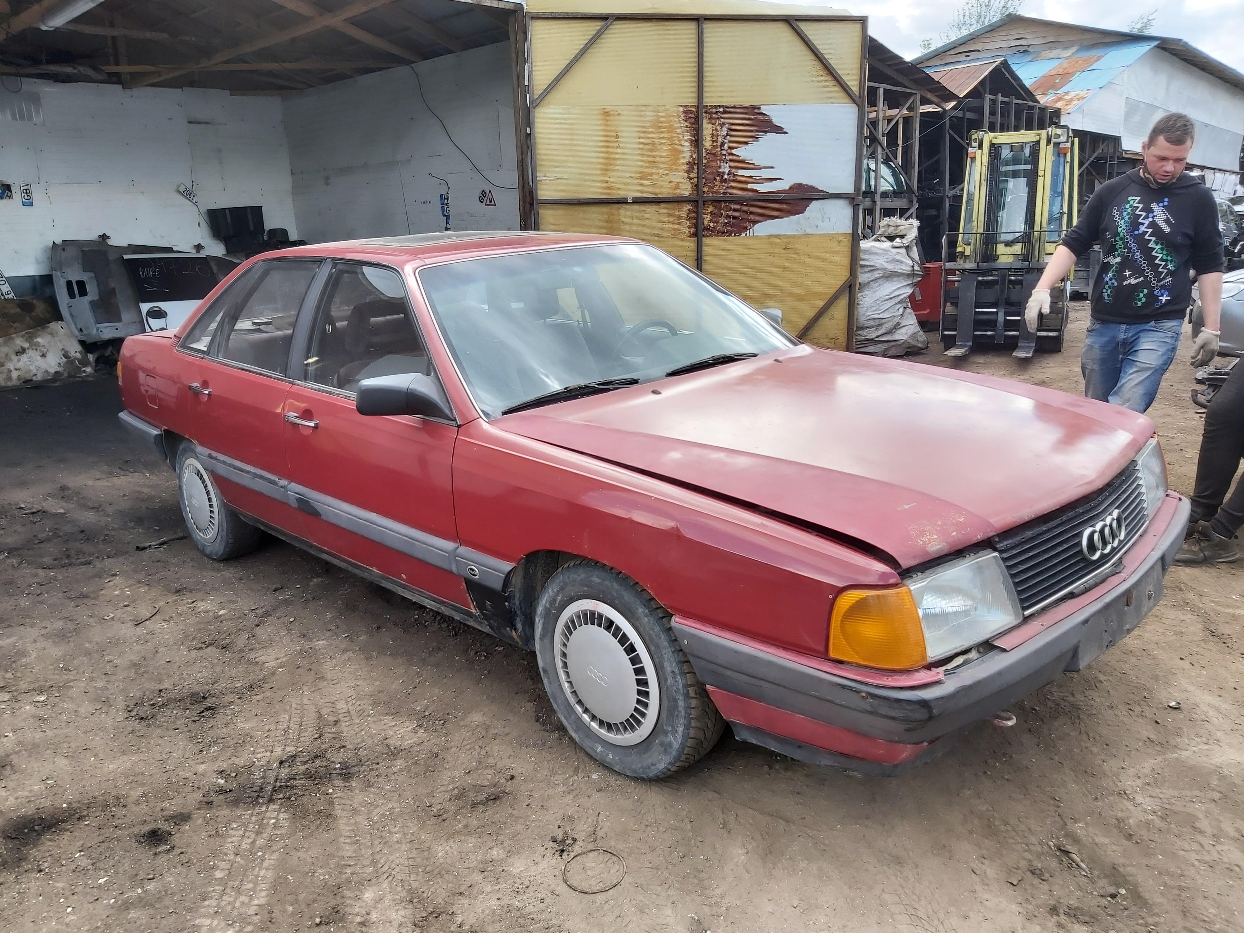 Naudotos automobilio dalys Audi 100 1987 1.8 Mechaninė Sedanas 4/5 d. Raudona 2020-5-25