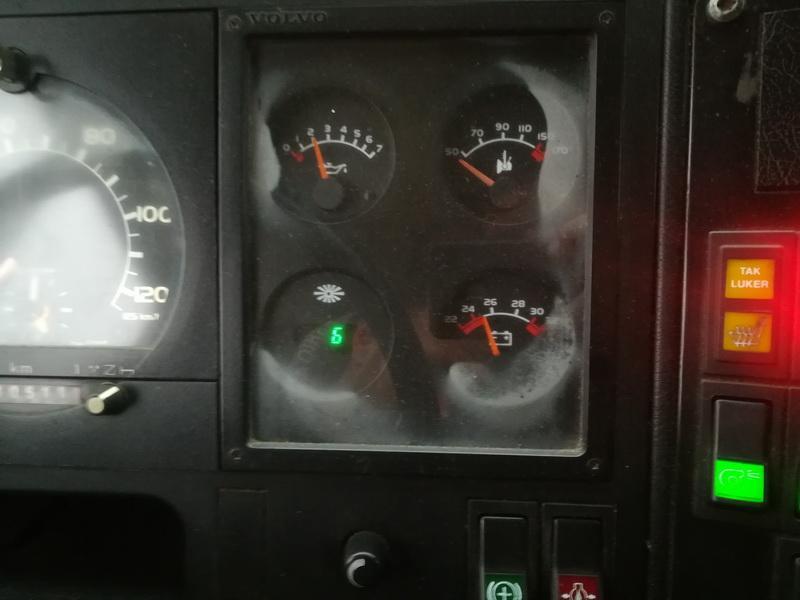 Naudotos automobiliu dallys Foto 7 Bus - Volvo B6 1993 5.5 Automatinė Kita 2/3 d. Balta 2019-11-28 A4933