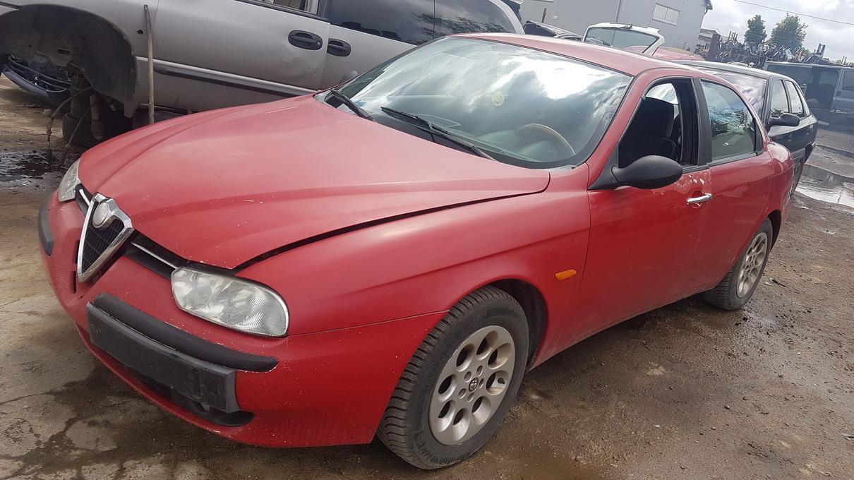 Подержанные Автозапчасти Alfa-Romeo 156 1998 2.0 машиностроение седан 4/5 d. красный 2017-6-13