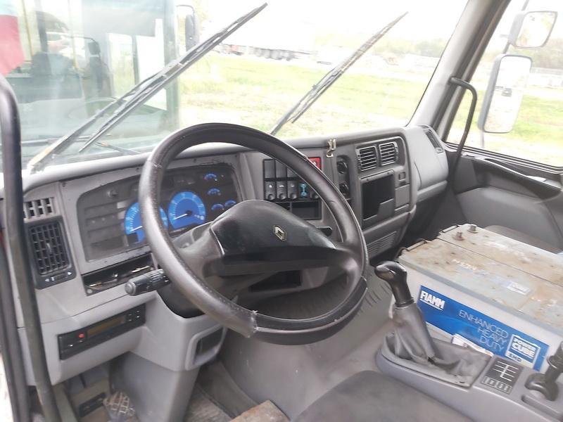 Naudotos automobiliu dallys Foto 5 Truck - Renault MIDLUM 2005 6.2 Mechaninė Sunkvezimis 2/3 d. Balta 2020-10-15 A5761