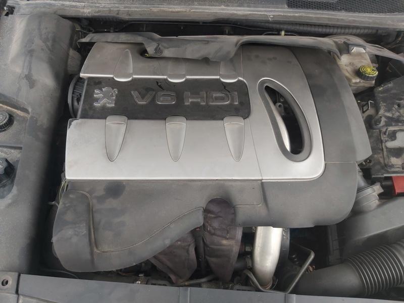 Naudotos automobiliu dallys Foto 2 Peugeot 607 2007 2.7 Automatinė Sedanas 4/5 d. Juoda 2020-10-15 A5760