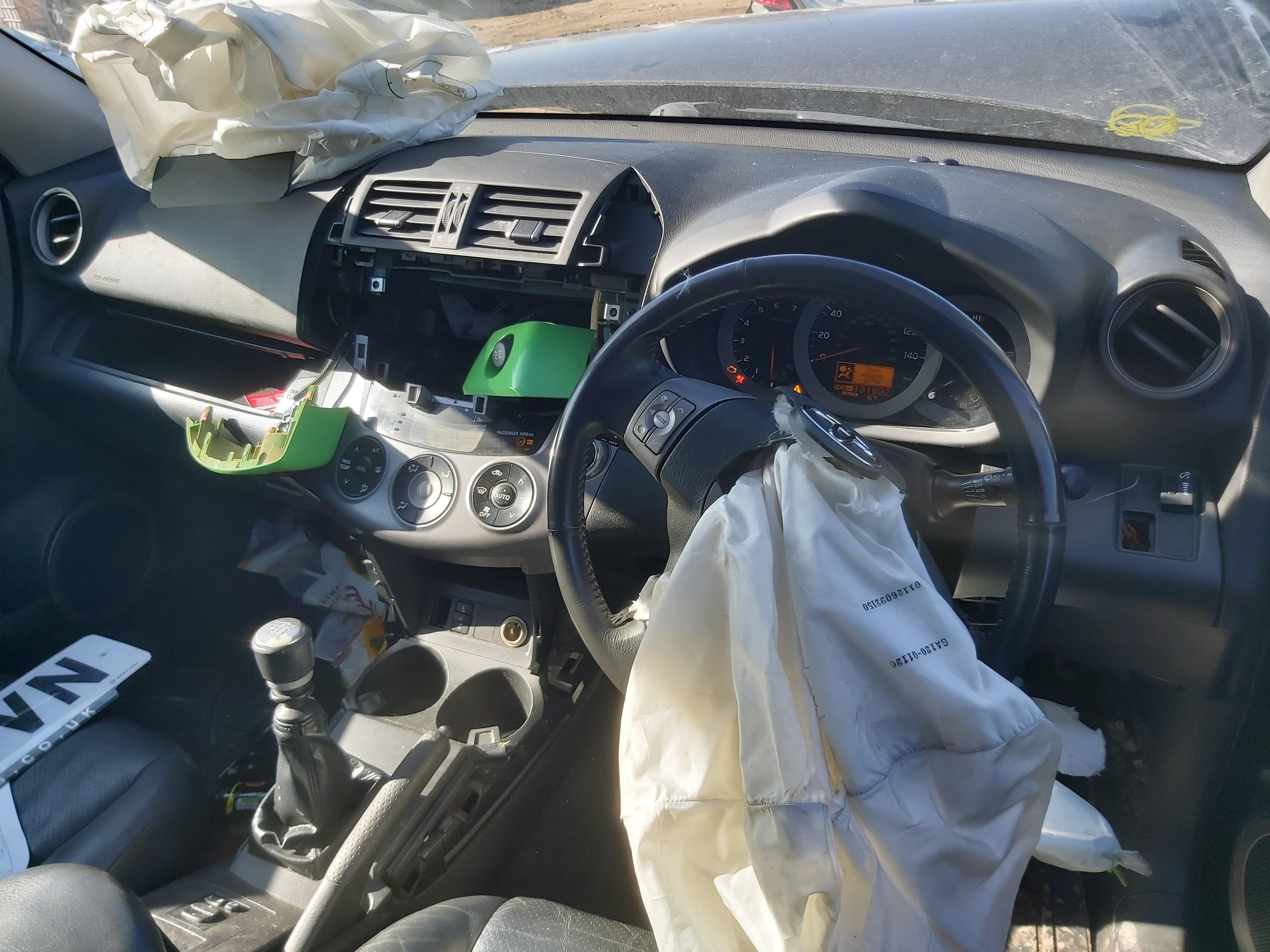 Подержанные Автозапчасти Foto 8 Toyota RAV-4 2006 2.2 машиностроение напрямик 4/5 d. черный 2020-3-24 A5153