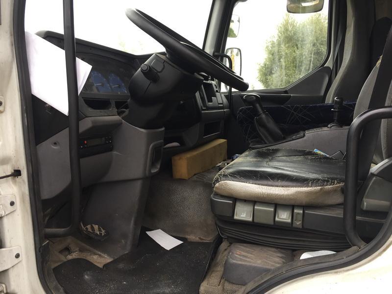 Naudotos automobiliu dallys Foto 2 Truck - Renault MIDLUM 2003 6.2 Mechaninė Kita 2/3 d. Balta 2018-9-18 A4086