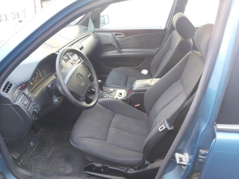 Naudotos automobiliu dallys Foto 4 Mercedes-Benz E-CLASS 1996 2.9 Automatinė Sedanas 4/5 d. Melyna 2020-10-07 A5723