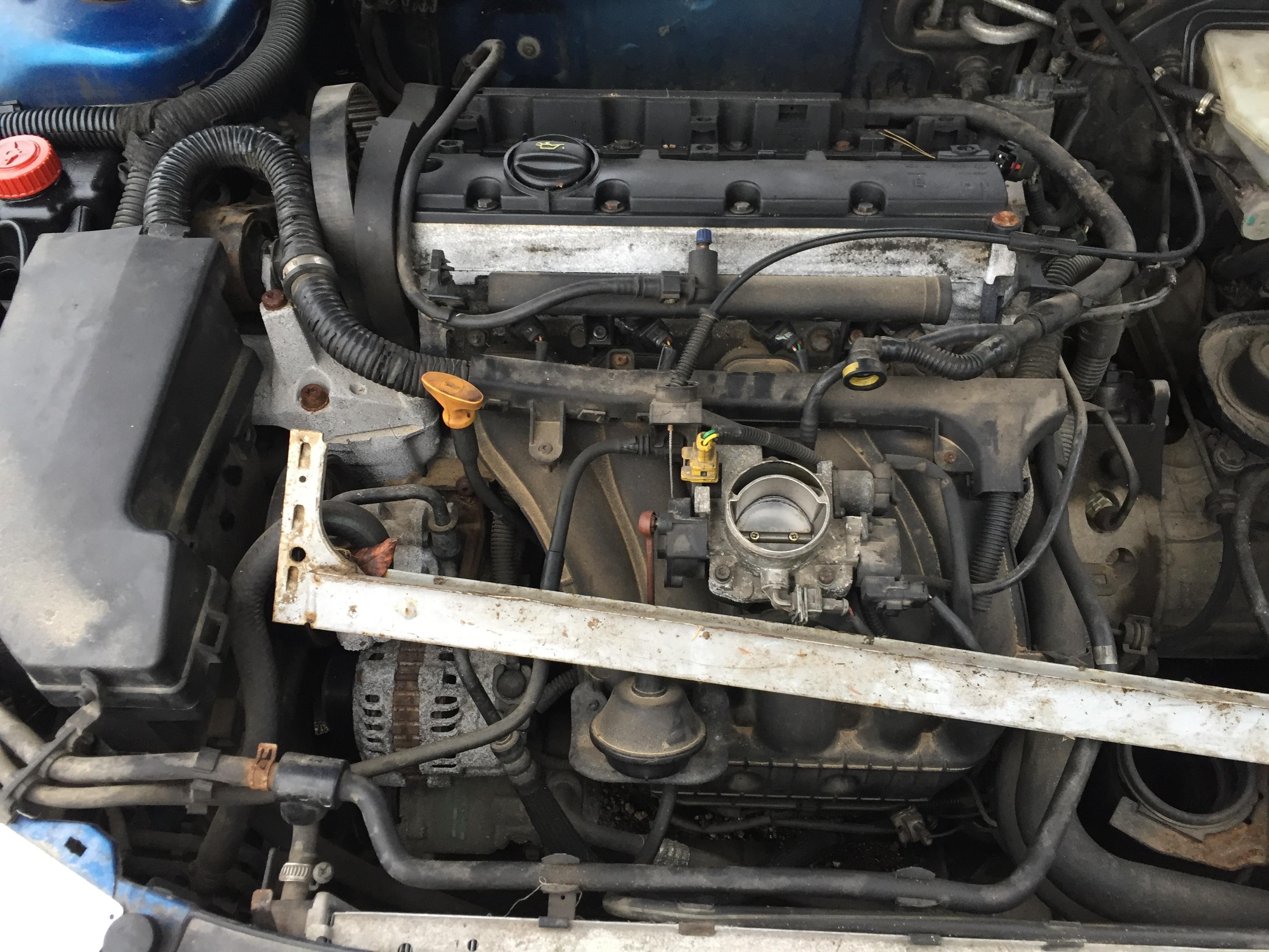 Naudotos automobiliu dallys Foto 5 Peugeot 406 1999 3.0 Mechaninė Kupė 2/3 d. Melyna 2017-11-21 A3533
