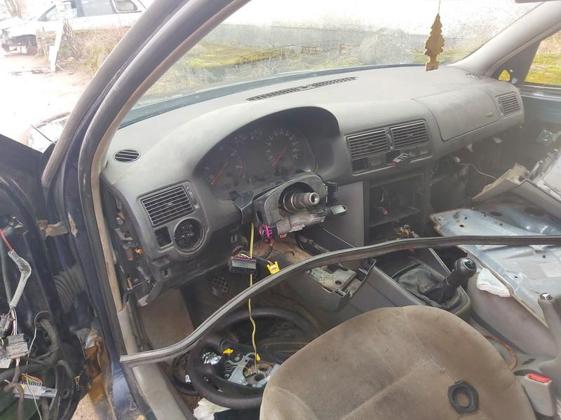 Naudotos automobiliu dallys Foto 5 Volkswagen GOLF 1998 1.9 Mechaninė Hečbekas 4/5 d. Melyna 2020-3-19 A5141