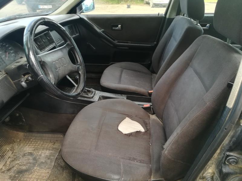 Naudotos automobiliu dallys Foto 5 Audi 80 1990 1.9 Mechaninė Sedanas 4/5 d. Juoda 2019-9-17 A4760